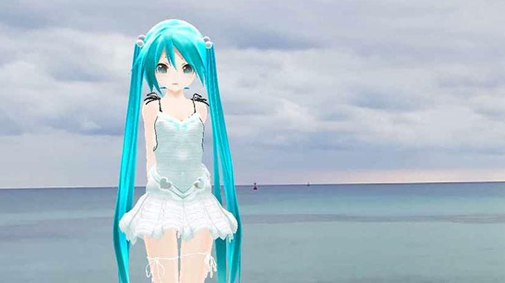 ミクさんは沖縄県糸満市の海岸に来ました
